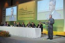 Governador participa de encontro com revendedores de combustíveis - http://noticiasembrasilia.com.br/noticias-distrito-federal-cidade-brasilia/2015/06/17/governador-participa-de-encontro-com-revendedores-de-combustiveis/