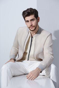 Alvaro Soler, ritmo di tendenze - Style - Il Magazine Moda Uomo del Corriere della Sera