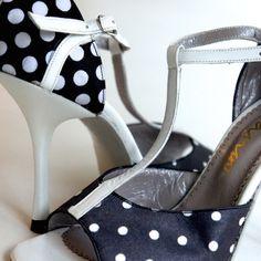 www.felinashoes.com Argentine Tango Shoes from NeoTango shoes. Black & white fabric with white leather stilettos. Sizes 4 (34), Size 5 (35), Size 6 (36), Size 7 (37), Size 8 (38), Size 9 (39), Size 10 (40), Size 11 (41)