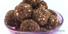 Nepečené ořechové kuličky nesmějí ani u vás o Vánocích chybět. Tyto oříškové koule jsou velmi jednoduché, zvládne je úplně každý. Podívejte se na recept.
