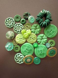 Vintage Green Plastic Buttons by JeepersKeepers on Etsy Button Art, Button Crafts, Collage Kunst, My Favorite Color, My Favorite Things, Button Picture, Sewing Notions, Sewing Box, Vintage Buttons