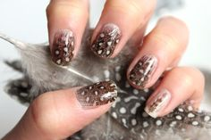 From how to care for your nails to the best nail polishes, nail tutorials and nail art inspiration, Allowmenstalk Nails shows the way to perfect manicures. Diy Nails, Cute Nails, Pretty Nails, Nail Nail, Nail Polishes, Nail Art Pena, Feather Nail Art, Owl Feather, Feather Print