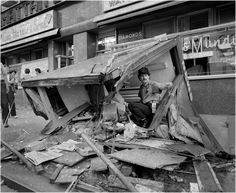 Newsstand-Crushed-1986