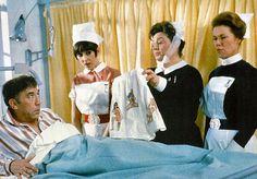 Frankie Howerd, Anita Harris, Hattie Jacques & June Jago in Carry On Doctor