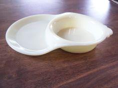 VINTAGE McKEE Custard Glass Baby Feeding DishRARE by onepommom