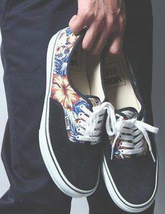 Tropical print Vans. ☯