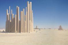 Tubos de cartón que protegen contra el viento y crean una experiencia sensorial