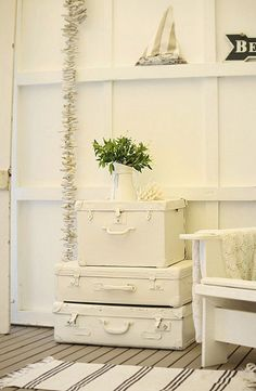 DIY Furniture Ideas: Turning Old Suitcases Into Fancy Furniture (Diy Furniture Bedroom)