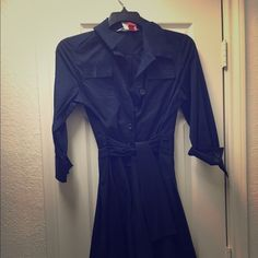 """DVF A-Line 3/4 sleeve wrap dress Worn once. It's a size 12 for my """"girls"""" but fits a 6-12 depending on how tight you wrap which is how DVF works. Super cute! Flares out like a vintage 50's Aline dress. Will take more pictures if asked. Diane von Furstenberg Dresses Midi"""
