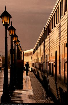 The San Joaquin stopped in Bakersfield. Thanks to photographer Joe Gartman for sharing! By Train, Train Tracks, Train Rides, Simplon Orient Express, Old Trains, Train Pictures, Train Journey, Locomotive, Beautiful World