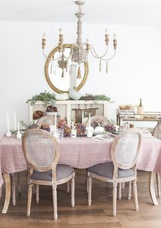 This French country dining is ready for fall! Instead of the typical orange fall…