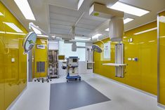 Novaptus Surgery Centre by Acromec Engineers Pte Ltd. Colour scheme by Nicholas Merrow-Smith of design consultant Merrowsmith Design Partnership Pte Ltd, Singapore. Specialists in hospital and clinic interiors.