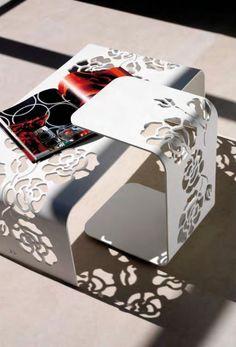 Vibieffe - Tavolino Roses | Design: Gianluigi Landoni | Anno: 2007 | Materiali: Laccato | #design #tavolini #outdoor #madeinitaly #italiandesign @Vibieffe |