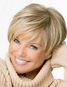 Best Short Hairstyle For Women (24)