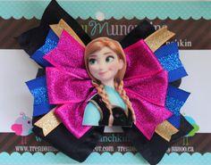 Frozen Anna Princess Pinwheel Hair Bow  Purple por TrendyMunchkins