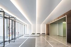 Commercial and Residential Lighting Lighting Concepts, Lighting Design, Cove Lighting Ceiling, Plafond Staff, Office Ceiling, Indirect Lighting, Residential Lighting, Clinic Design, Lobby Design