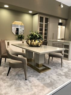 Dinner table with metal structure. Top in marble or lacquered or wood veneer (matt or glossy finish) Marble Dinning Table, Dinning Table Design, Dining Room Table, Dining Chairs, Luxury Dining Tables, Elegant Dining Room, Luxury Dining Room, Casa Magna, Diner Table