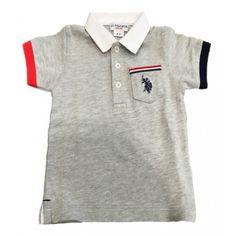 POLO BIMBO U.S.POLO ASSN KIDS Polo per bambino di U.S.Polo Assn di colore grigio a maniche corte con orlo a contrasto, colletto bianco con abbottonatura frontale e taschino a filo sul petto con il logo ricamato. Polo U.S.Polo Assn Kids sportiva e versatile, un capo immancabile nel guardaroba dei più piccoli. #uspoloassn #uspolo #polo #magliette #bimbo #neonato #bambino #bebè #baby #kids #child #children #newborn #moda #fashion #shop