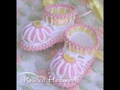 Красивые вязаные пинетки. Beautiful crochet  booties for babies