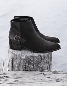 lowest price 669f1 7c336 Buckle leather ankle boots from Mango