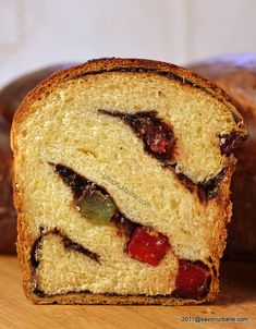 Cozonac pufos reteta simpla cu rahat si nuca - cozonaci traditionali | Savori Urbane Romanian Desserts, Cacao Beans, Cacao Nibs, Pastry And Bakery, Cupcakes, Muffins, Home Food, Sweets Recipes, Bread Baking
