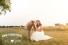 #bride #horse #photography #wedding #Holland #bruidsfotografie #bruid #paard #bruiloft