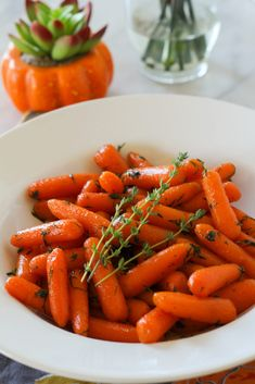 Instant Pot Carrots with Honey Herb Butter Glaze Instant Pot Recipes Thanksgiving Recipes Veggie side dish recipe Carrots Side Dish Recipes, Healthy Dinner Recipes, Vegetarian Recipes, Healthy Food, Instant Pot Pressure Cooker, Pressure Cooker Recipes, Slow Cooker, Pressure Cooking, Thanksgiving Side Dishes