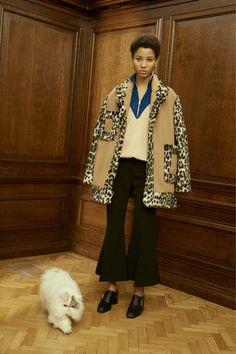Stella McCartney Pre-Fall 2016 Fashion Show  http://www.vogue.com/fashion-shows/pre-fall-2016/stella-mccartney/slideshow/collection#8