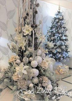 Christmas Time, Christmas Wreaths, Merry Christmas, Christmas Decorations, Holiday Decor, Crafts, Holidays, Luxury, Balls