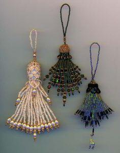 Google Image Result for http://www.blackgiraffe.com/jmight/galleries/bead2000/tassels.jpg