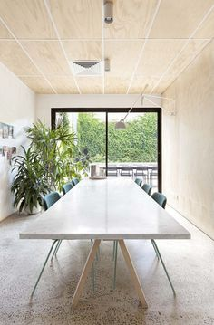 long kitchen table | Clare Cousins Architects