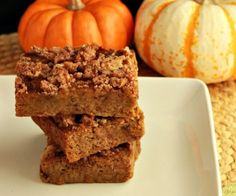 A paleo, creamy pumpkin bar with a crumble topping. Grain free with a low carb version.