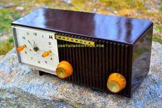 BLUETOOTH MP3 READY - Chocolate Brown Retro Jetsons 1959 Motorola Model 5C12M Tube AM Clock Radio Totally Restored!