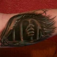 14.) This tattoo is where they imprisoned their good taste.