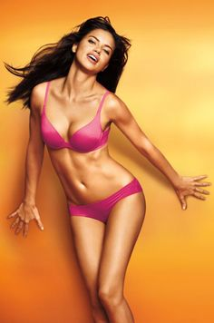 Adriana Lima: Incredible by Victorias Secret 2011 Lingerie Look Book > photo 144799 > fashion picture