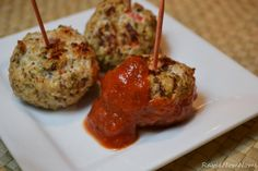 These healthy Quinoa Turkey Meatballs are the perfect appetizers!