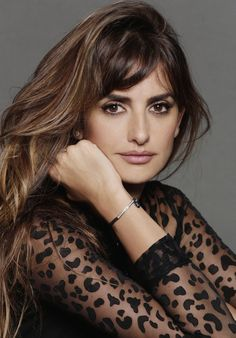 Picture of Penélope Cruz Brunette Beauty, Brunette Hair, Hair Beauty, Penelope Cruze, Spanish Actress, Hot Hair Colors, Jessica Chastain, Beautiful Hijab, Nicole Kidman