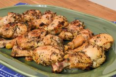 Grilled Lemon Pepper Chicken is made up of a simple chicken marinade for foolproof chicken on the grill every time. Our favorite lemon pepper marinade ever! Grilled Lemon Pepper Chicken, Grilled Chicken, Moist Chicken, Grilled Red Snapper, Snapper Recipes, Easy Chicken Marinade, Pokerface, Cooking On The Grill, Yum Yum Chicken