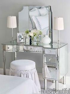 Adorable Makeup Table Idea 103