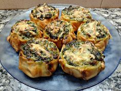 Caserissimo : CANASTITAS DE ESPINACA Y 3 QUESOS Veggie Recipes, Vegetarian Recipes, Cooking Recipes, Healthy Recipes, Tapas, Quiches, Bien Tasty, Good Food, Yummy Food