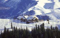 Sun Valley's Seattle Ridge Lodge - One of the 10 Best Ski-Resort Cafeterias Snowboarding, Skiing, Ski And Sun, Ski Magazine, Best Ski Resorts, San Francisco Chronicle, Sun Valley, Lodges, Mountains
