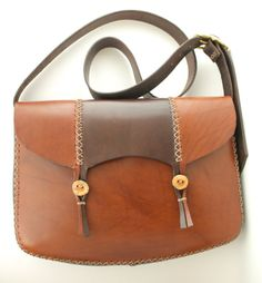 fall fashion. handmade leather messenger by underthetreeithaca