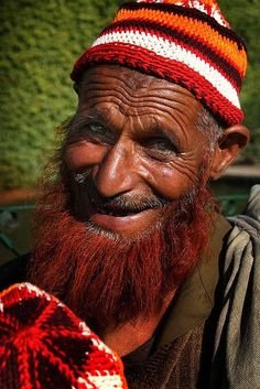 Srinagar, Kashmir Love the way this man's entire face lights up with his smile.