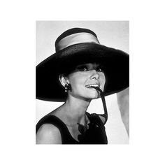 Breakfast at Tiffany's ❤ liked on Polyvore featuring audrey hepburn, audrey, models, people and backgrounds