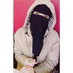Hijabi Girl, Girl Hijab, Beautiful Girl Photo, Beautiful Hijab, Girl Fashion, Fashion Dresses, Womens Fashion, Mercedes Girl, Hijab Dpz