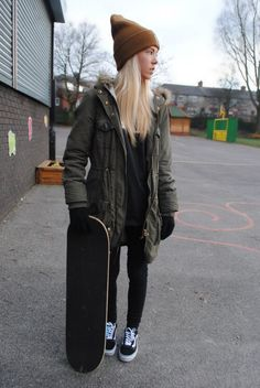 The widest variety of new skate board dress in supply now. Grunge Style Outfits, Cool Outfits, Casual Outfits, Look Skater, Skater Girl Style, Skater Outfits, Style Skate, Metal Style, Urban Fashion