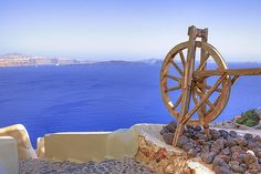Browse through images in Joana Kruse's Greece collection. Blue sky, white houses, blue sea - the main colours of Greece. Santorini House, Oia Santorini, Main Colors, Colours, Mamma Mia, White Houses, Greece, World, Artwork