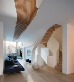FLOW Architecture Designs 'Light Falls' Victorian House in Kensington FLOW Architecture entwirft 'Light Falls' viktorianisches Haus in Kensington Terraced House, Patio Interior, Interior Design, Interior Modern, Timber Stair, Architects London, Glass Extension, Rear Extension, Open Staircase