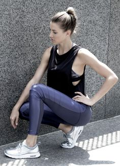 The ultimate workout - and go out! - legging. Our Moto Legging is cut from our NuaCompress™ fabric which provides body sculpting for an unforgettable feminine shape. The front panels are lightweight f