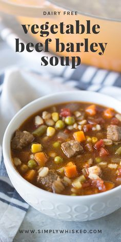 Vegetable beef soup recipe or stew is one of those 'go to' recipes during the wintertime. Soup keeps you warm, and this soup along with many others. Beef Soup Recipes, Fall Soup Recipes, Healthy Soup Recipes, Cooking Recipes, Vegetarian Recipes, Vegetable Beef Barley Soup, Veg Soup, Vegetable Soup Healthy, Vegetable Soup Seasoning